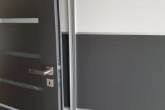 Montáž dveří Carmandoors barva CPL Egger odpovídá i nábytku