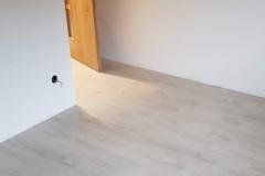 Oskava_vinyl_lepený_quick_step_bytbyt-2