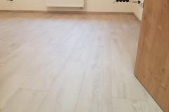 Oskava_vinyl_lepený_quick_step_bytbyt-7